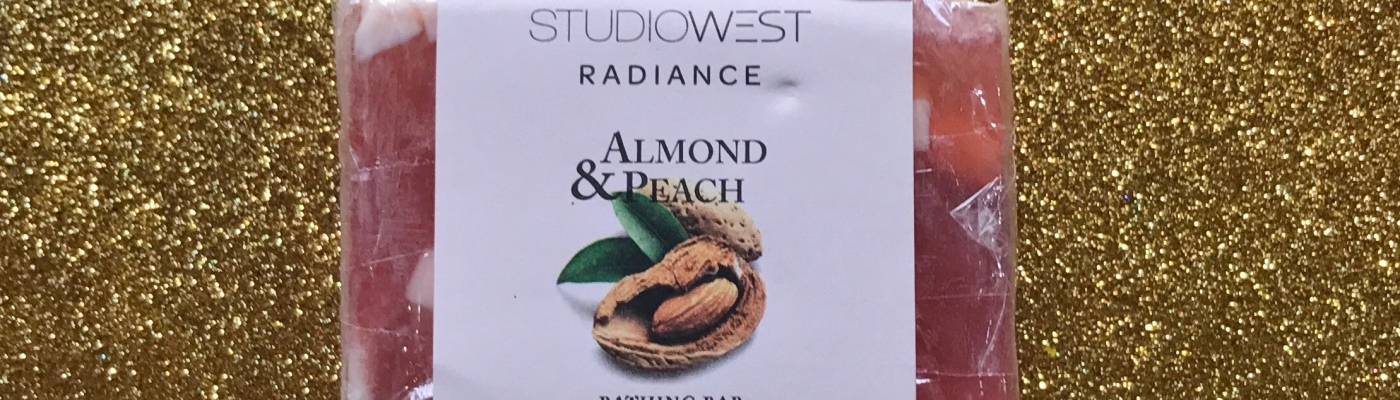 Studiowest Radiance Almond & Peach Bathing Bar Review